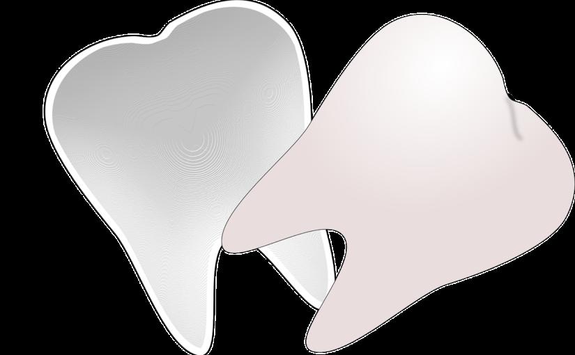 Prześliczne urodziwe zęby również efektowny cudny uśmieszek to powód do zadowolenia.